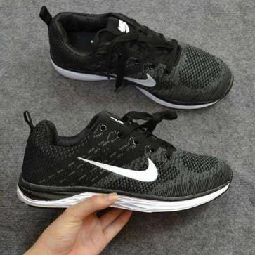 Giày Nike Luna màu đen 11