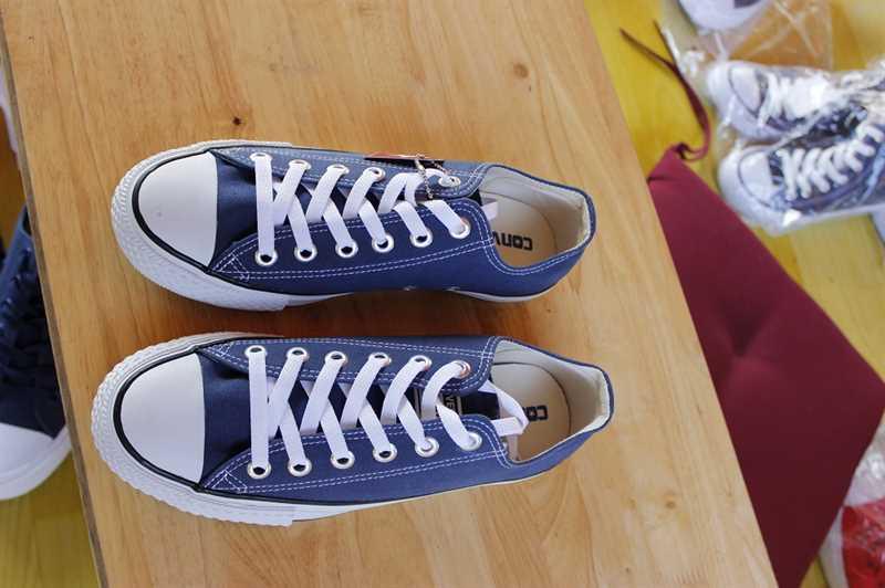 Giày converse thấp cổ màu xanh navy