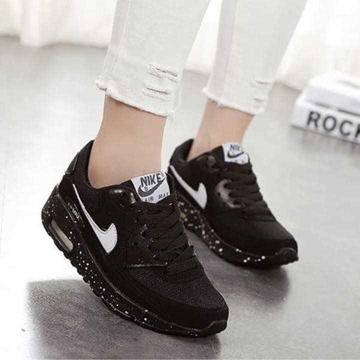 Giày Nike Air Max màu đen 1