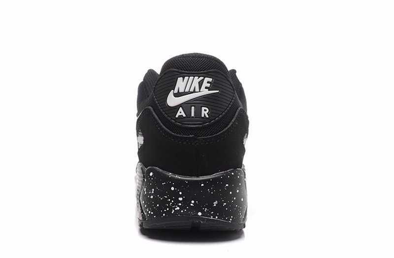 Giày Nike Air Max màu đen 4