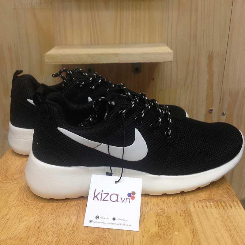 Giày nike roshe run màu đen đế trắng 002