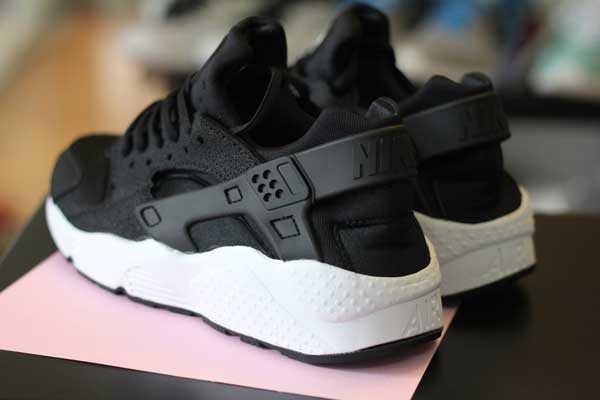 Giày Nike Huarache đen trắng 003