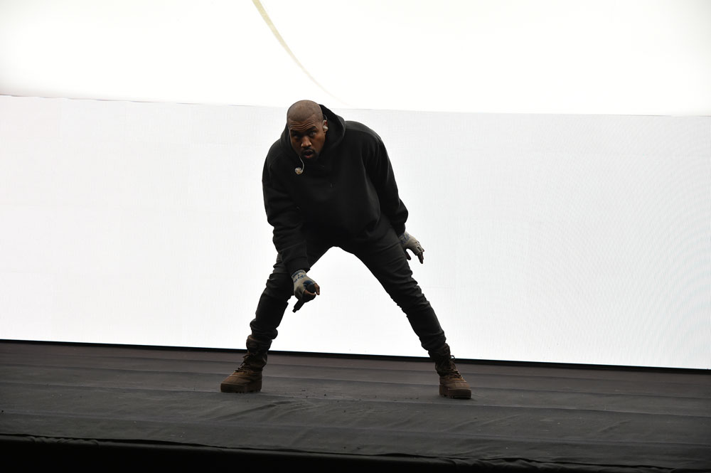 giay-kanye-west-fashion-show-adidas