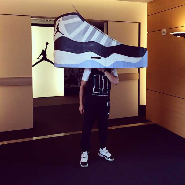 best-sneakerhead-halloween-costumes-2014-sneakerhead-concord-11