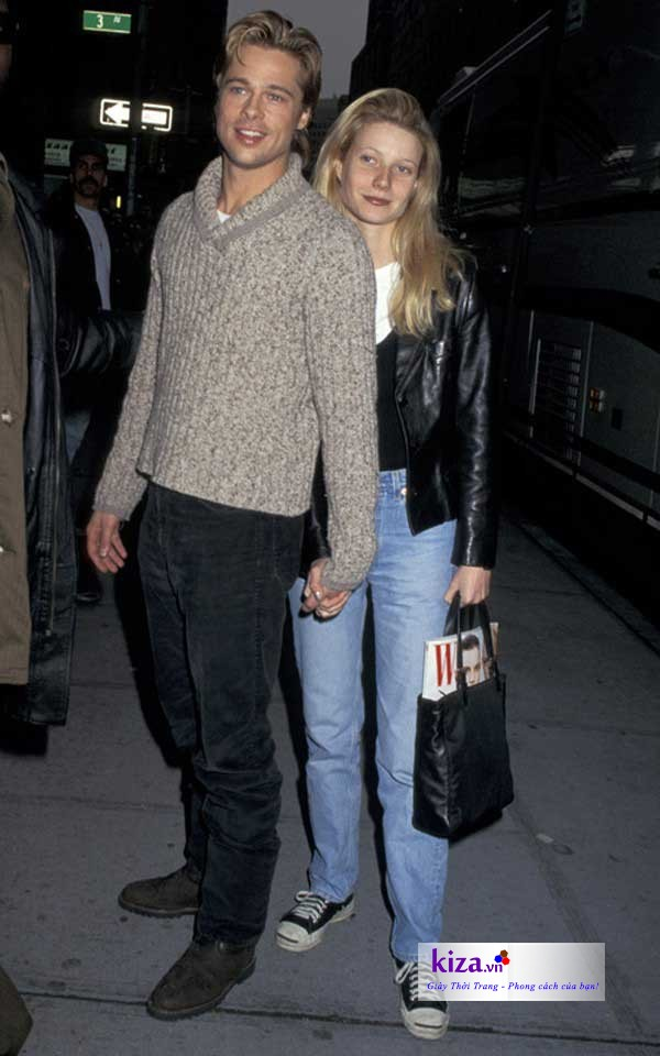 Giày Converse cùng áo jacket da phóng khoáng