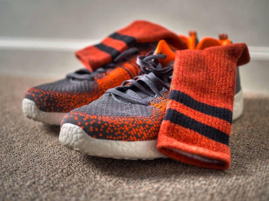 Sử dụng vớ (tất) đúng cách sẽ làm giảm mùi trong đôi giày của bạn