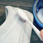 sử dụng banking soda làm sạch giày