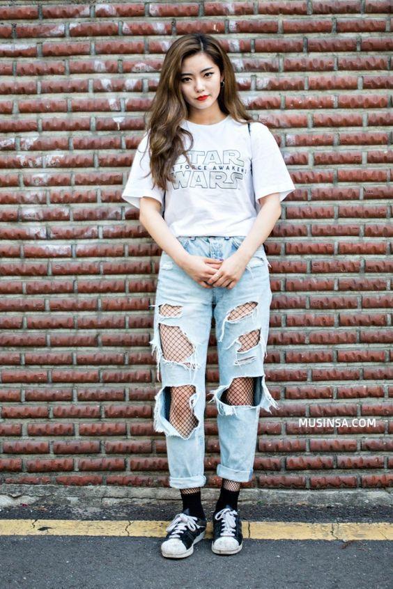 mix converse cổ thấp cùng Jeans rách