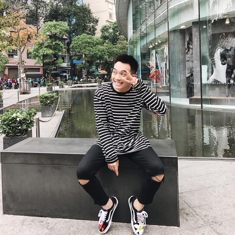 Jeans rách phối cùng giày vans nam