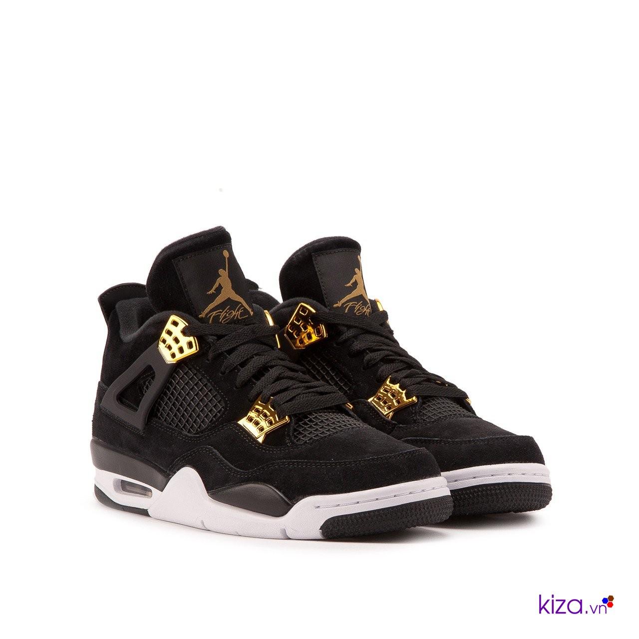 Giày Nike fake đẹp mà các bạn nam nên có