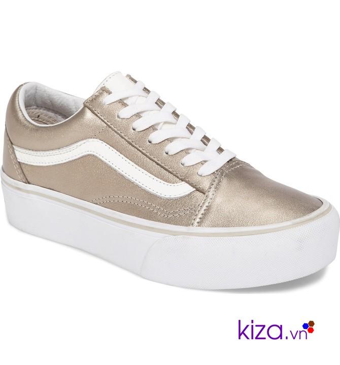 Giày thể thao Vans được nhiều vận động viên nổi tiếng sử dụng nên ngày càng phổ biến với giới trẻ