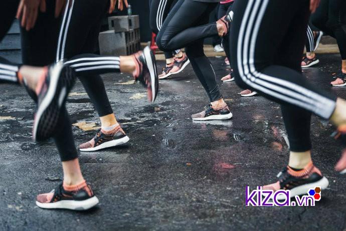 Adidas Ultra Boost - đôi giày chạy bộ được nhiều chị em phụ nữ ưa thích