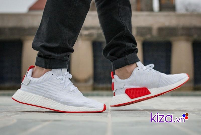 nmd R2 vẫn là một trong những đôi giày bán chạy nhất của adidas