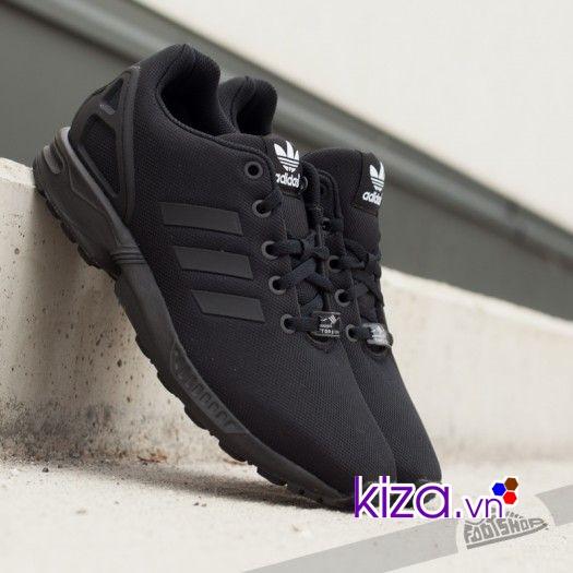 Giày thể thao màu đen có thể sử dụng mọi lúc, mọi nơi