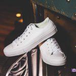 Lý do nên sở hữu giày Converse Chuck Taylor 2 all white