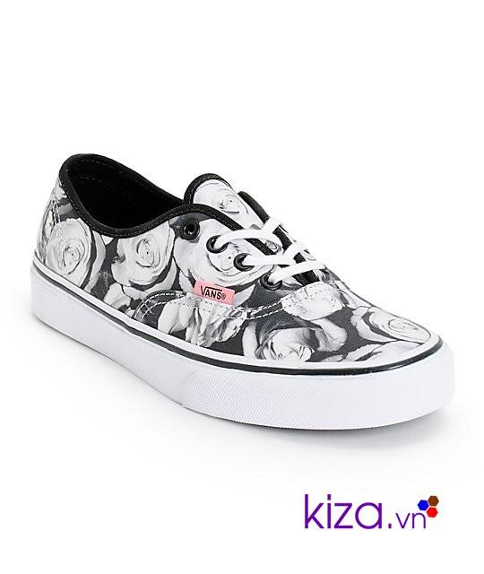 Chọn size giày chuẩn rất quan trọng trong việc mua giày thể thao