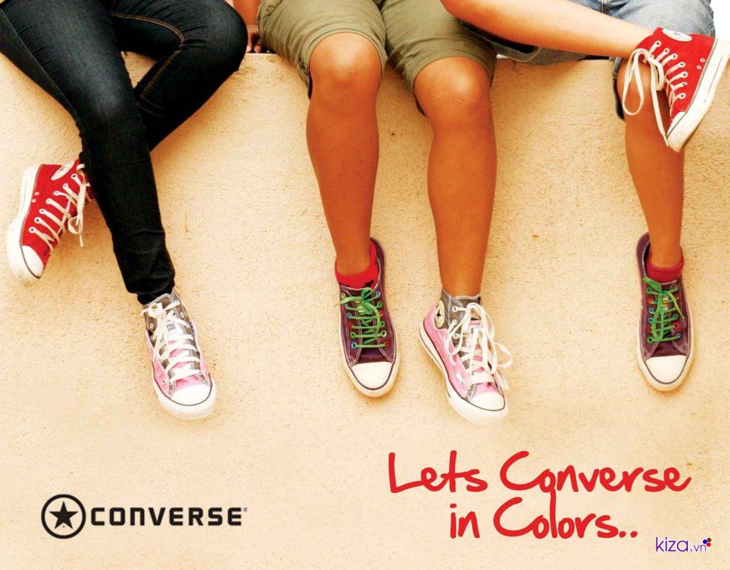 Hãy chọn giày hơi rộng hơn chân một chút để việc di chuyển được thoải mái