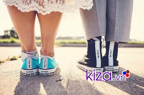 Để trong ngăn đá tủ lạnh một đêm giúp giày mềm hơn sử dụng không bị đau chân