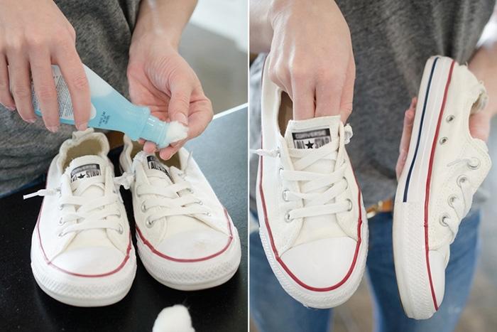 Dùng nước rửa móng tay vệ sinh giày