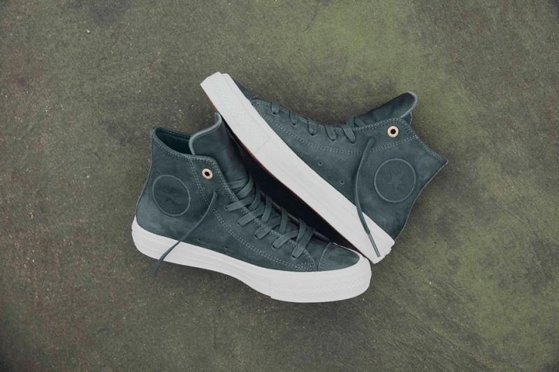 Mua giày converse chính hãng giá bao nhiêu ?