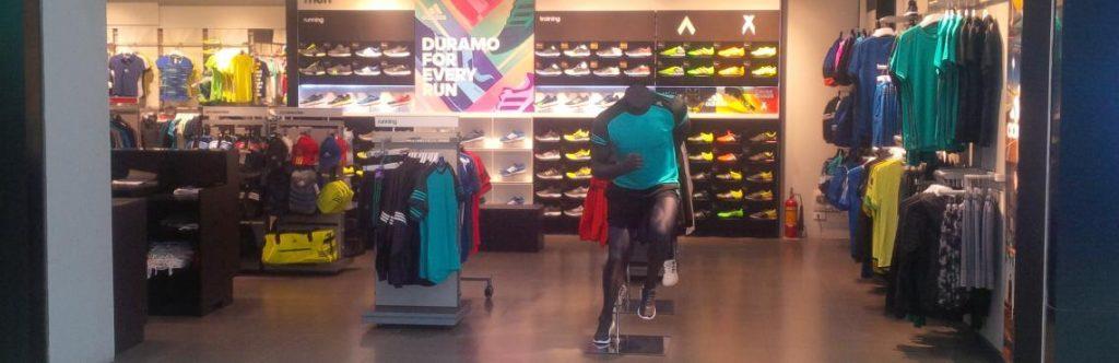 Hệ thống cửa hàng adidas