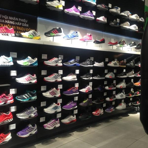 Những mẫu giày Adidas hiện nay