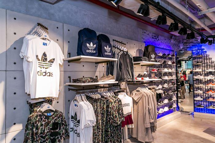 Cửa hàng giày adidas nữ chính hãng tphcm