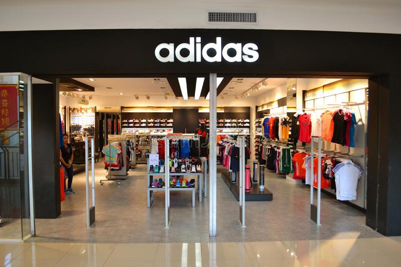 Giày adidas chính hãng Hà Nội - Hàng Bông