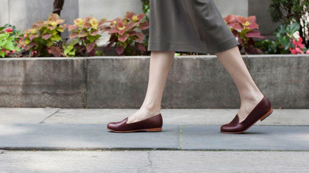 Tác hại khôn lường của việc đi giày không đi tất