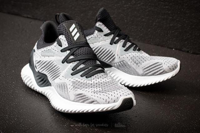 Alphabounce Beyond đôi giày đa năng