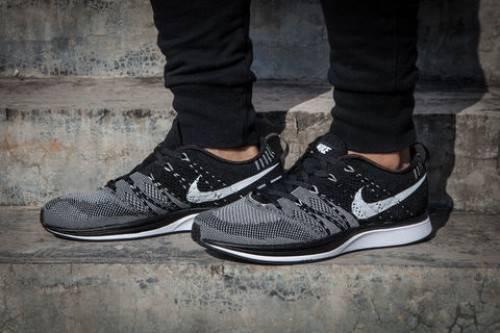 Nike Flyknit phối màu đen xám