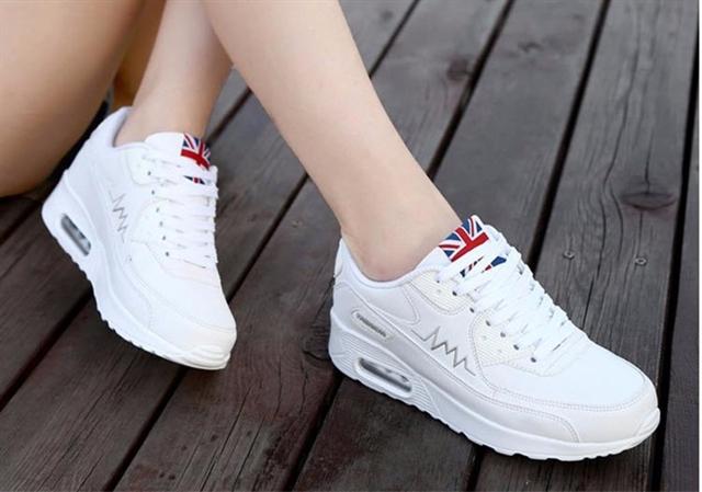 Giày thể thao Hàn Quốc phối cờ Anh