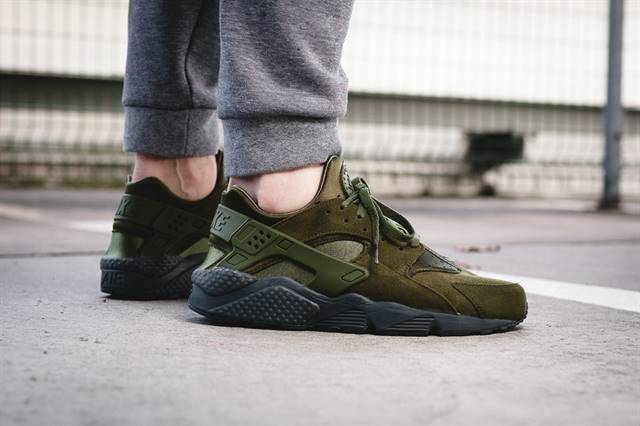 "Nike Air Huarache ""Legion Green"""