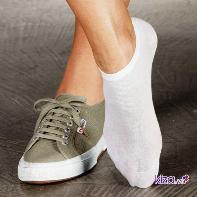 giày thể thao bị rộng phải làm sao