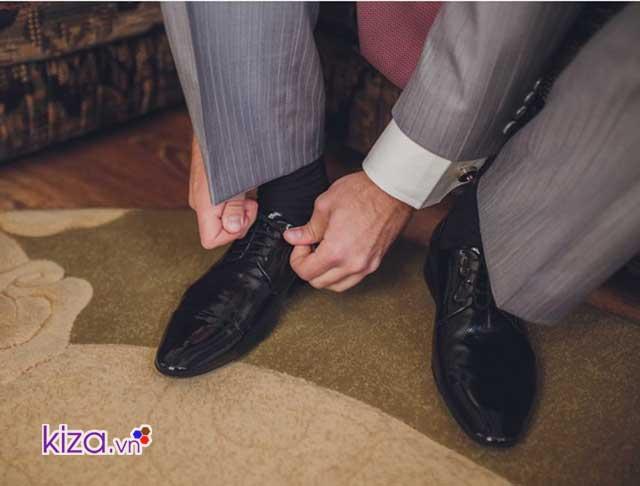 cách chữa giày bị rộng cho đôi giày da hoàn hảo