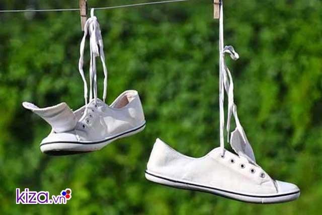 Cách trị hôi chân triệt để - phơi giày đúng cách