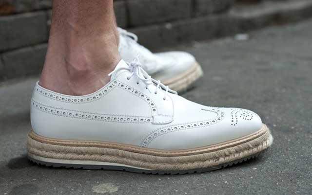 giày rộng phải làm sao ?
