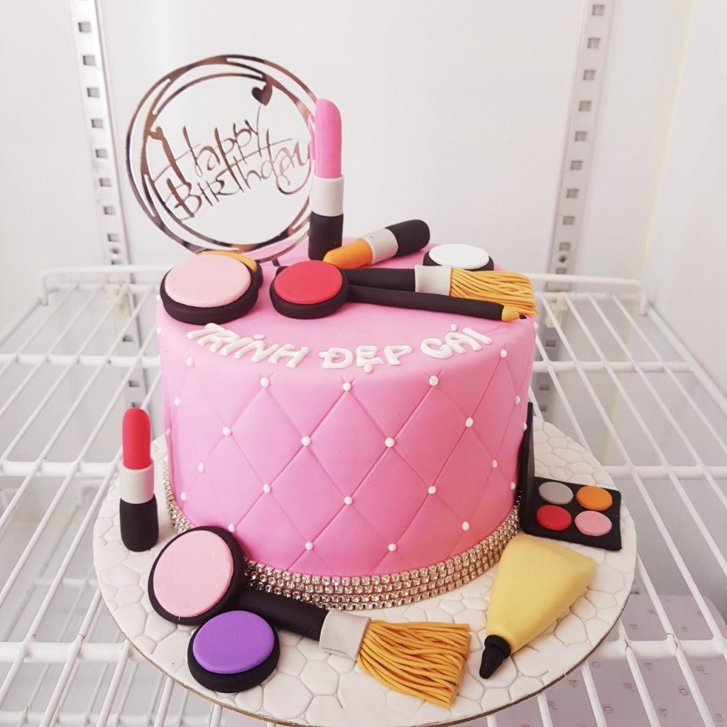 Hình ảnh bánh sinh nhật son môi đẹp