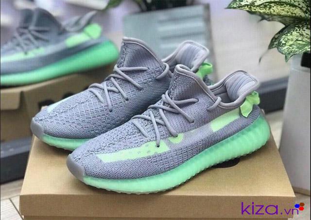 Giá giày Yeezy