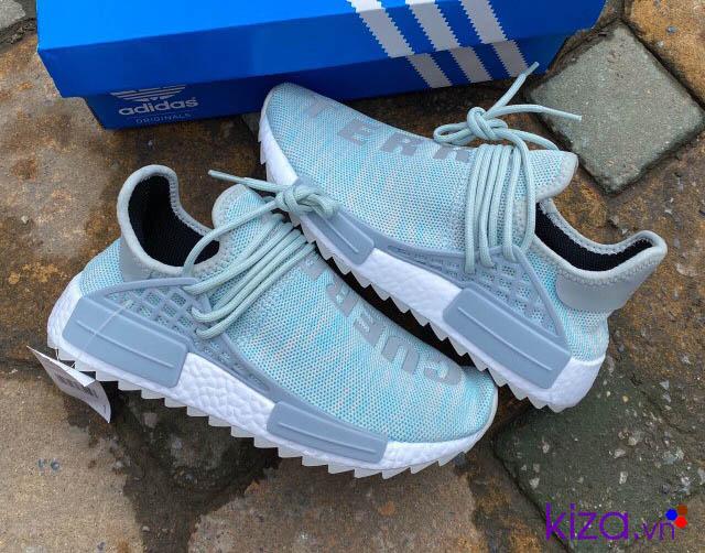 Giày sneaker