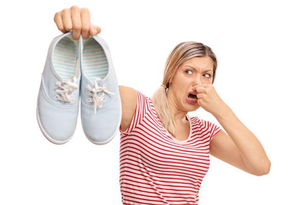 Bí kíp giúp bạn đi giày không bao giờ bị hôi chân