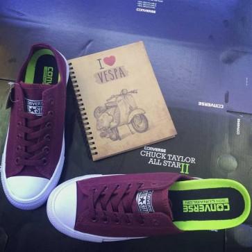 Giày converse chuck taylor 2 màu đỏ mận cổ thấp  44