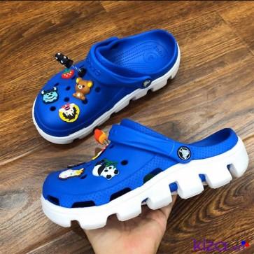 Dép Crocs xanh dương