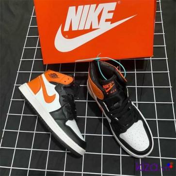 Giày Nike Jordan 1 phối màu đen cam 2020