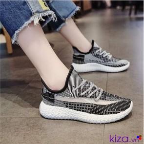 Giày sneaker nữ màu đen