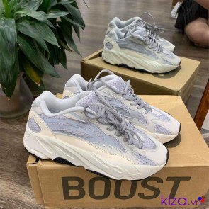 Giày Yeezy Boost 700 Static