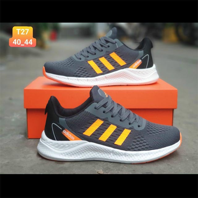 Adidas zoom đen