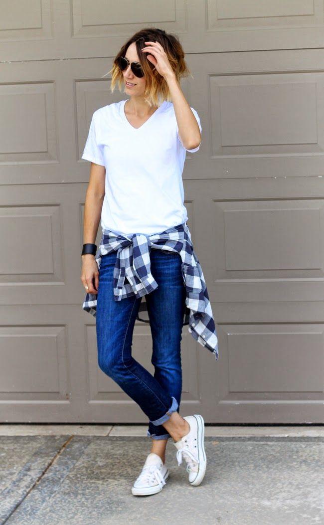 Cô nàng cá tính khi kết hợp cùng giày màu trắng