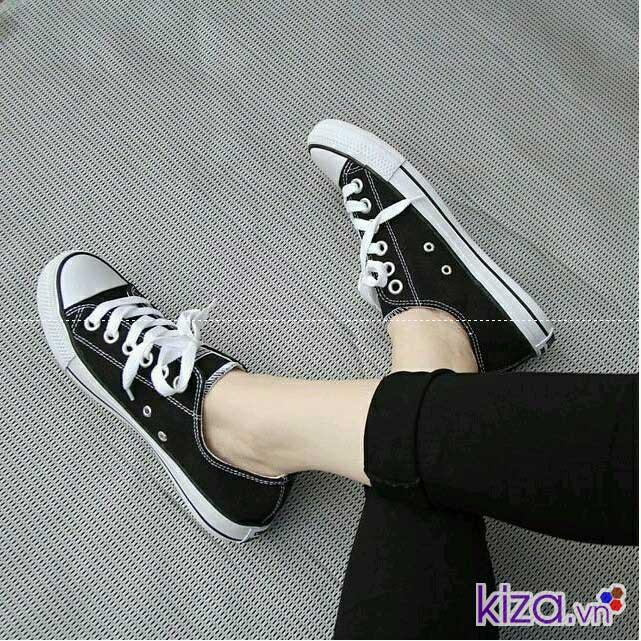 giày converse màu đen cho nữ