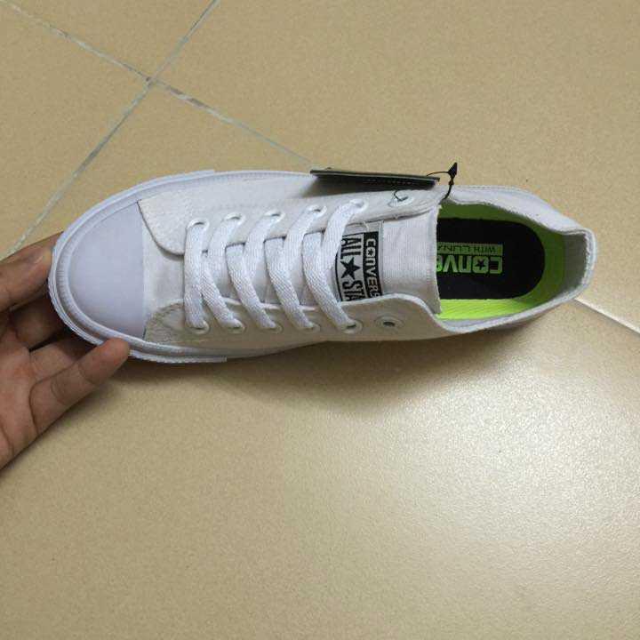 Giày converse chuck taylor 2 màu trắng cổ thấp 2